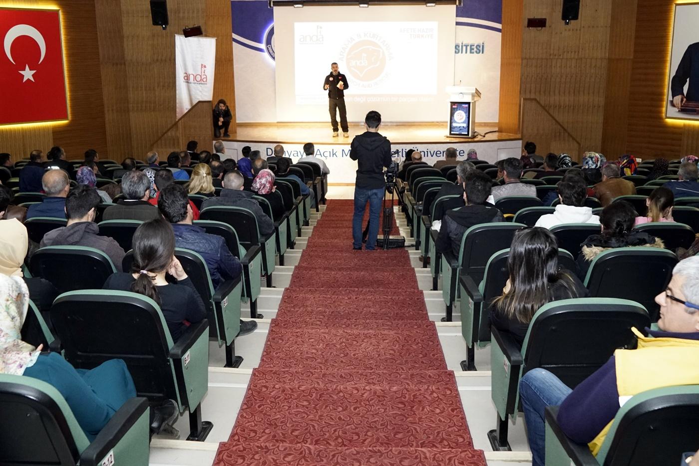 İdari Personel ve Öğrencilerimize  Afet Bilinci Farkındalık Eğitimi Verildi