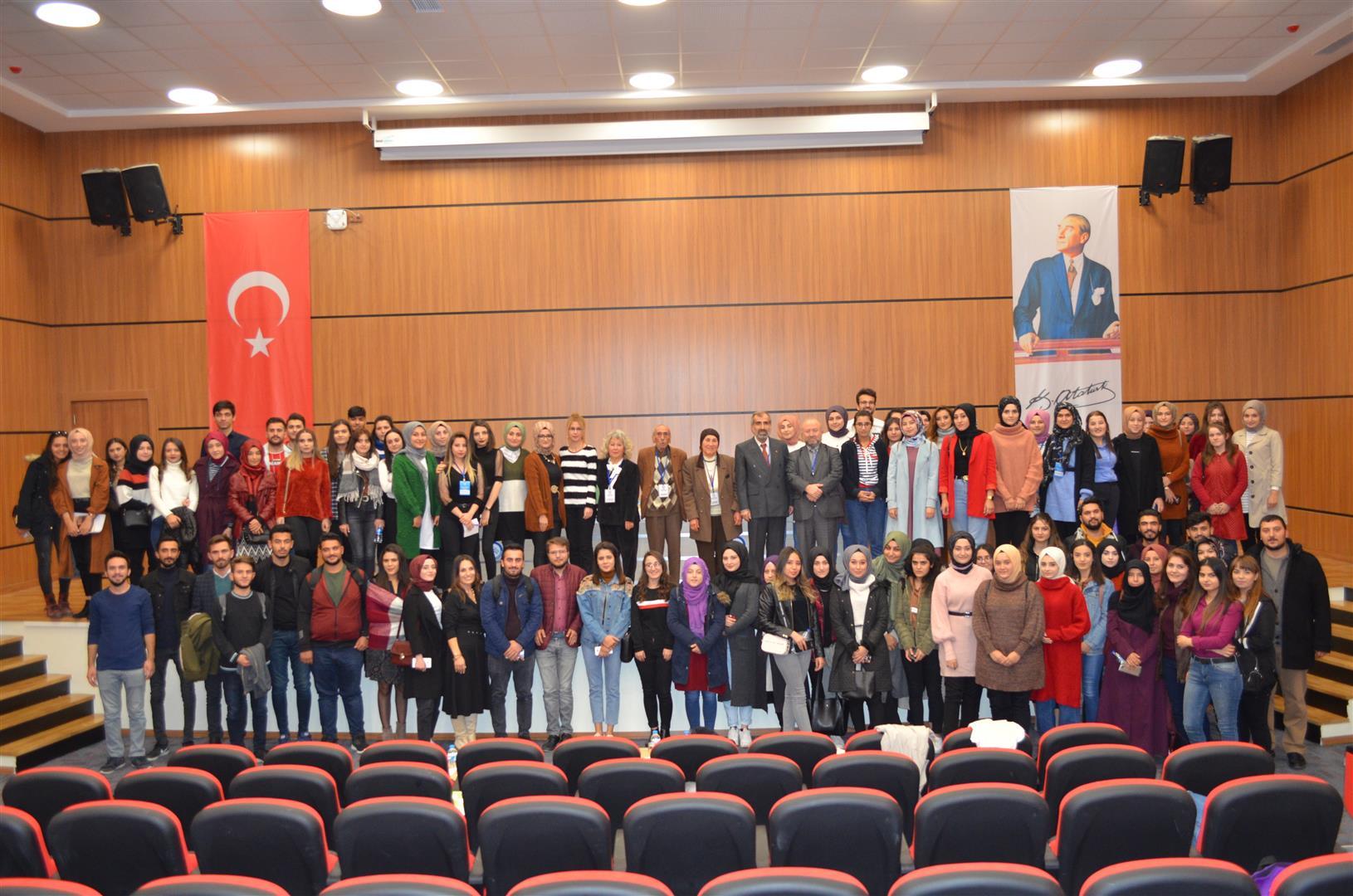 Emekli Öğretmenler ÇAKÜ'de Öğretmen Adayları ile Buluştu Resim
