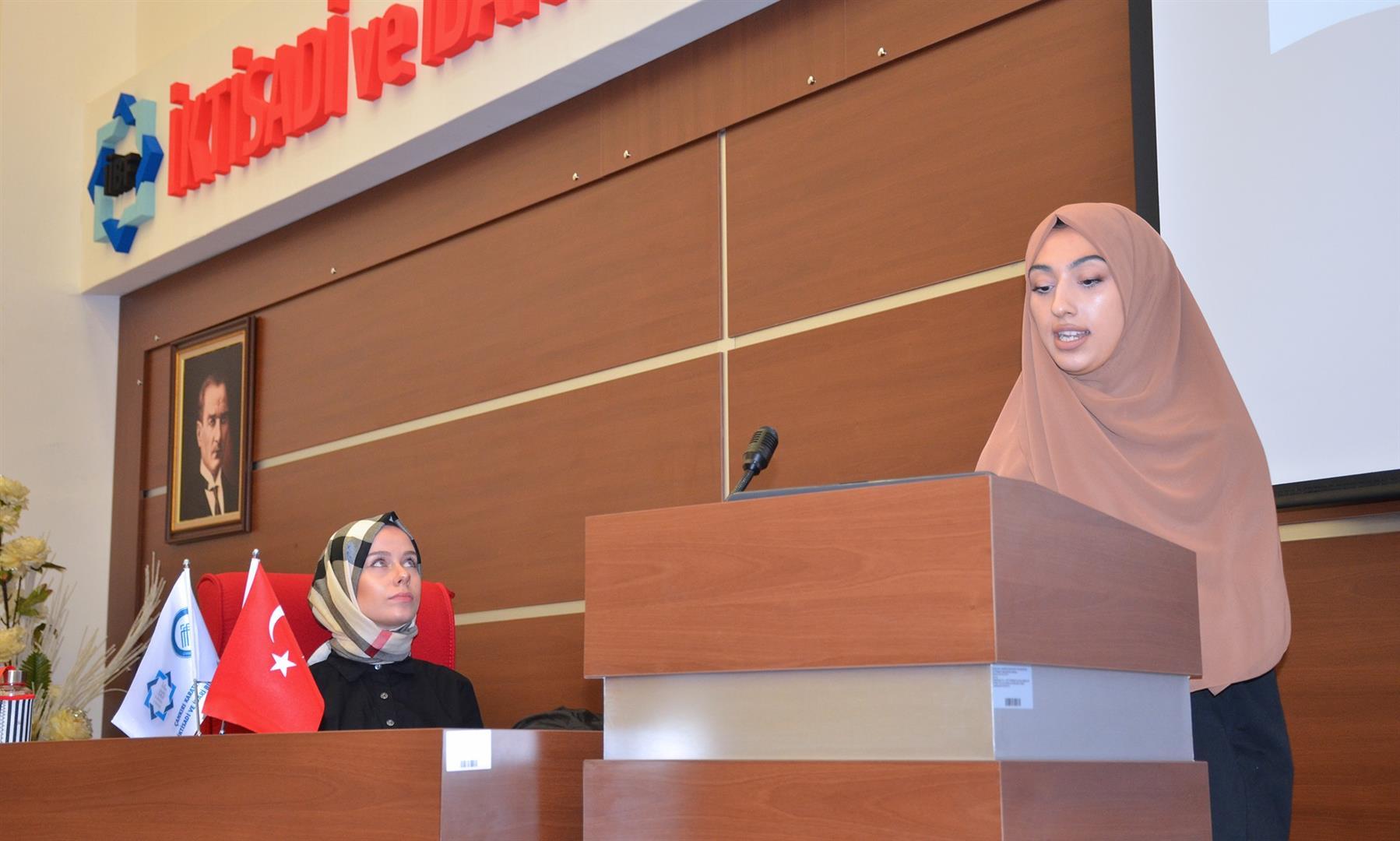 Üniversite Öğrencilerinin Gözünden Kadın ve Şiddet Konferansı Gerçekleştirildi Resim
