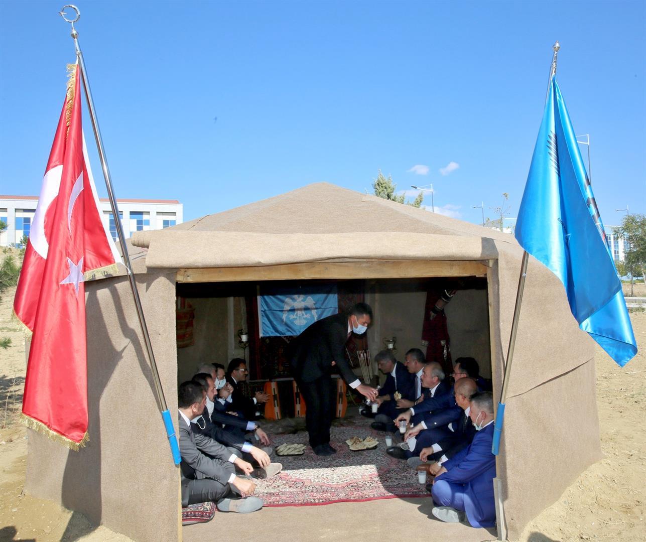 ÇAKÜ'de Ahilik Haftası Selçuklu Otağı Oba Çadırında Kutlandı