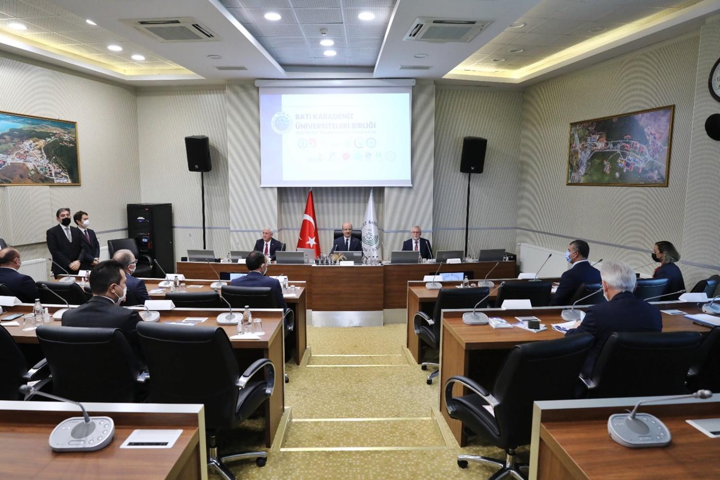 Rektör Çiftçi, BAİBÜ'de Düzenlenen Batı Karadeniz Üniversiteleri Birliği Toplantısına Katıldı