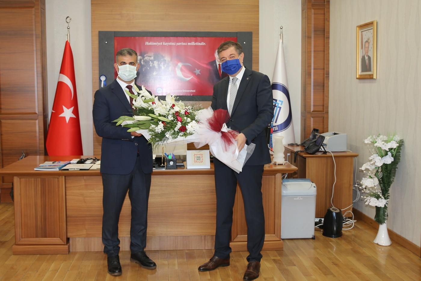 Çankırı Karatekin Üniversitesi`nde Bayrak Değişimi