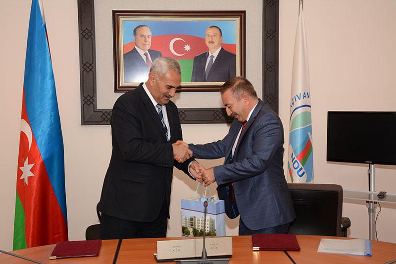 Üniversitemiz ile Nahçıvan Devlet Üniversitesi Arasında İşbirliği Protokolü İmzalandı Resim