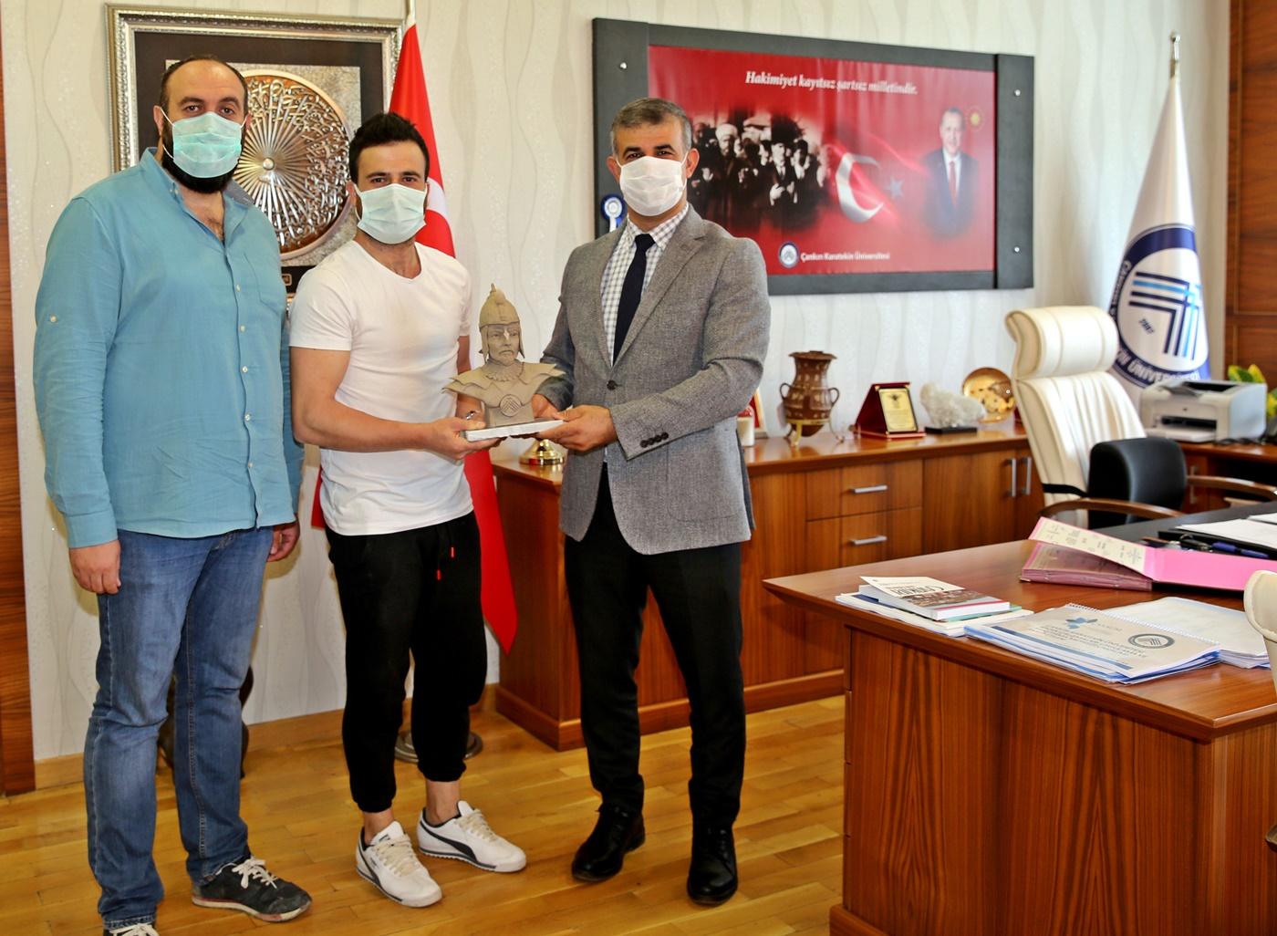 ÇAKÜ 'de Çankırı Fatihi Emir Karatekin'in İlk Heykel Çalışması Yapıldı